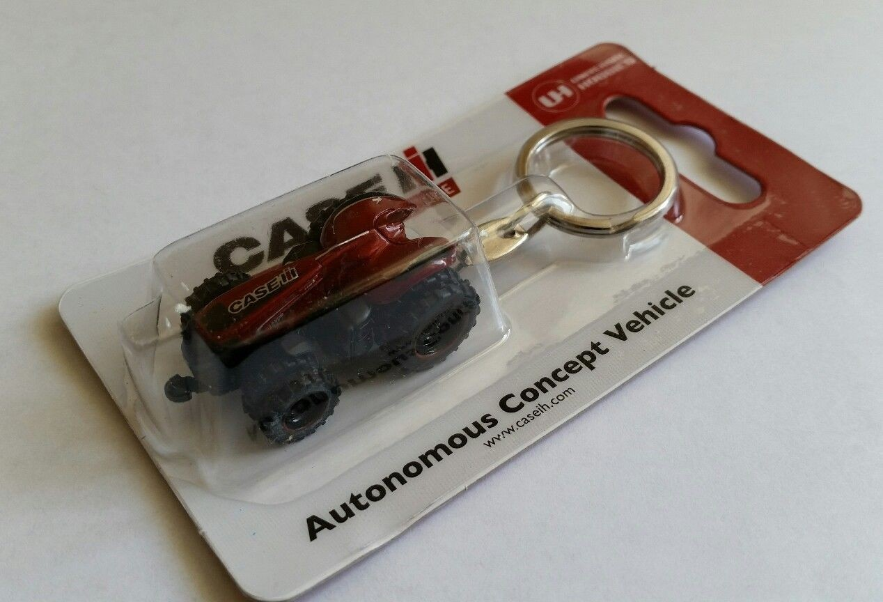 NEW ON CARD CASE IH TRACTOR KEY RING