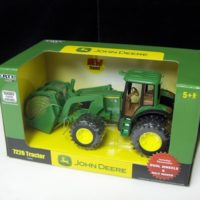 ERTL  John Deere 7220 Tractor c/w  Loader & Dual Wheels 1/32 Scale