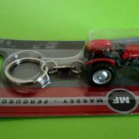UH Massey Ferguson 15 Tractor Keyring